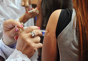Vacinação dengue Foto Divulgação