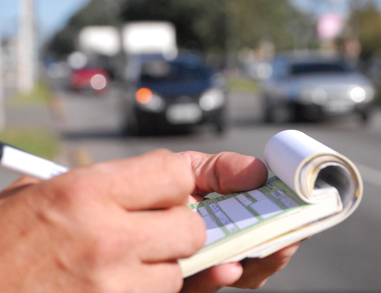 De janeiro a outubro deste ano, foram registradas cerca de 2 milhões de autuações no Estado. Foto: Detran/Divulgação