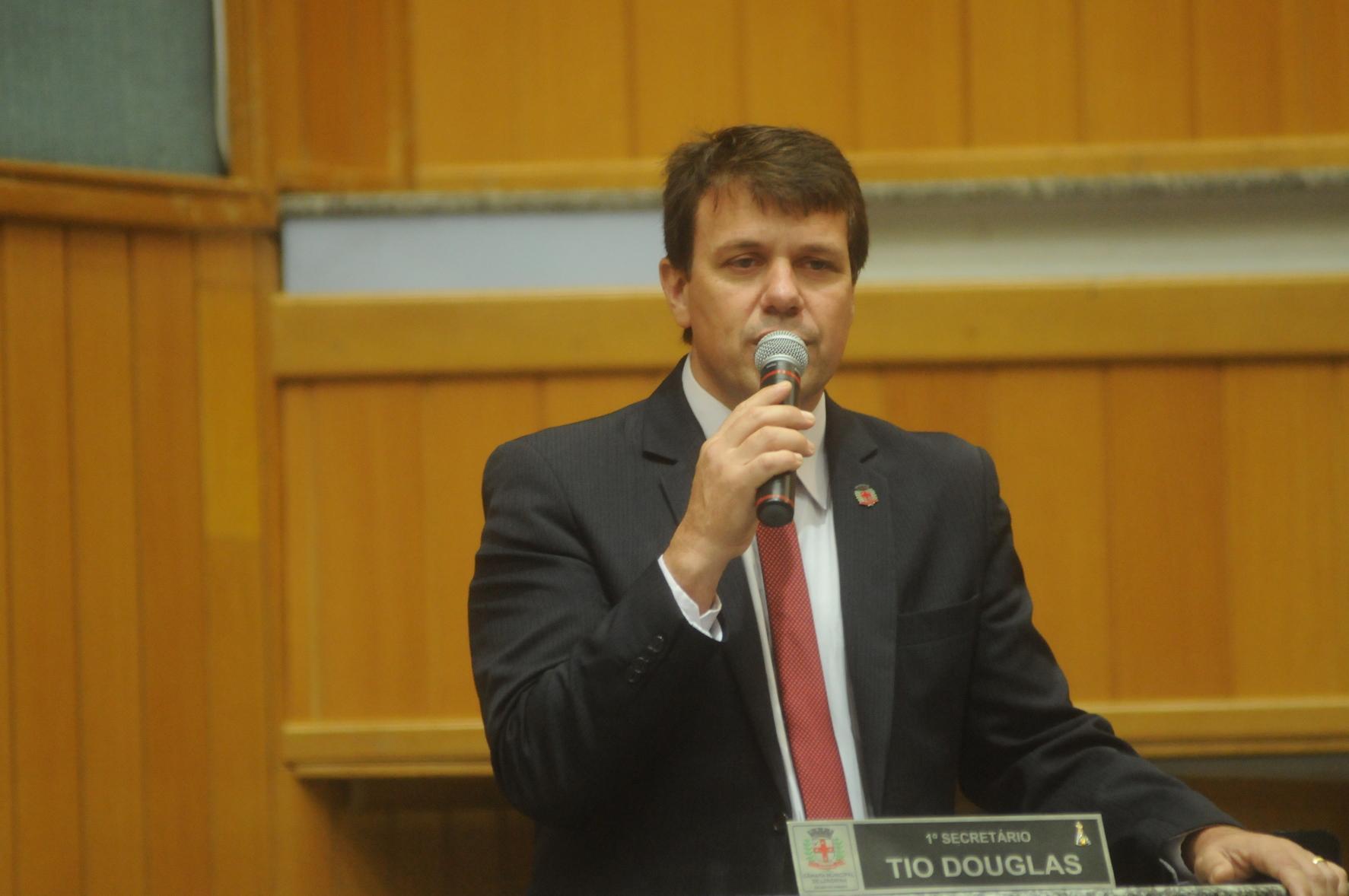 Tio Douglas - Câmara de Londrina