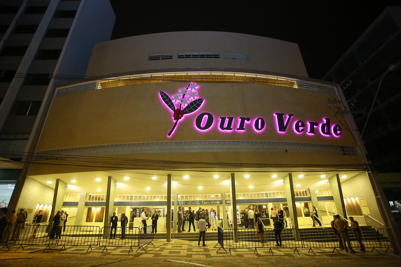 O governador Beto Richa reinaugurou nesta sexta-feira (30) o Teatro Ouro Verde, de Londrina, Norte do Estado. O prédio, tombado pelo Patrimônio Histórico do Paraná, foi destruído por um incêndio e reconstruído pelo Governo do Estado. Londrina, 30/06/2017. Foto: Jaelson Lucas/ANPr