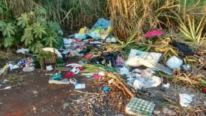 Rua com lixo desapropriação Foto WhatsApp Paiquerê (1)