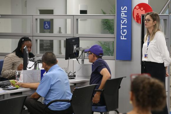 PIS/Pasep para idosos - Foto: Fabio Rodrigues Pozzebom/Agência Brasil