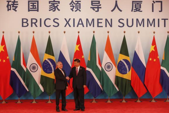 Temer e o líder chinês Xi Jimping durante reunião ampliada de chefes de Estado e de governo do Brics. Foto: Beto Barata/PR
