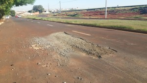 Rua danificada na Salgado Filho Foto Manoel Osvaldo (2)