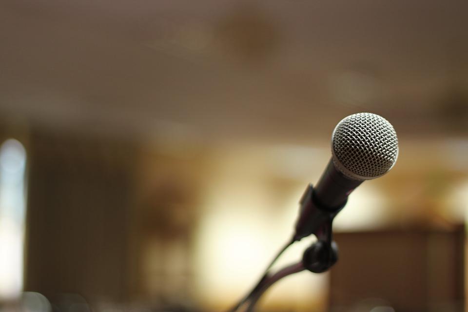 Microfone - karaokê  - Foto Pixabay