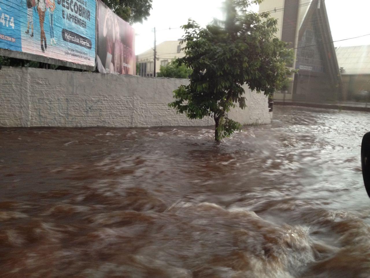 Chuva na avenida São João - Foto: Paiquerê
