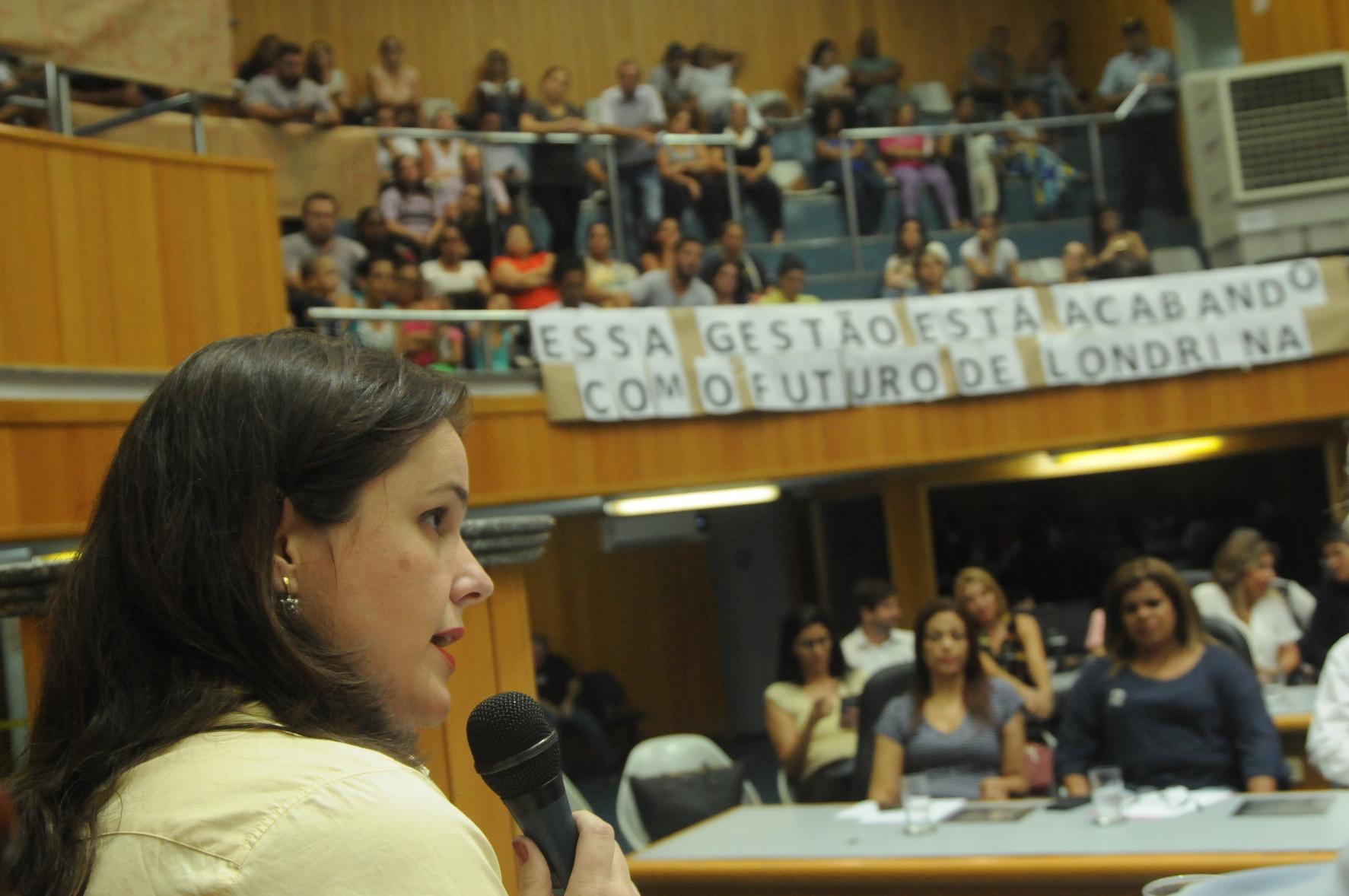 Mães e pais, dirigentes de conselhos e representantes do Executivo participaram de audiência pública coordenada pela Comissão de Educação do Legislativo e debateram em clima tenso, durante mais de três horas, o atendimento ofertado para alunos da educação infantil.
