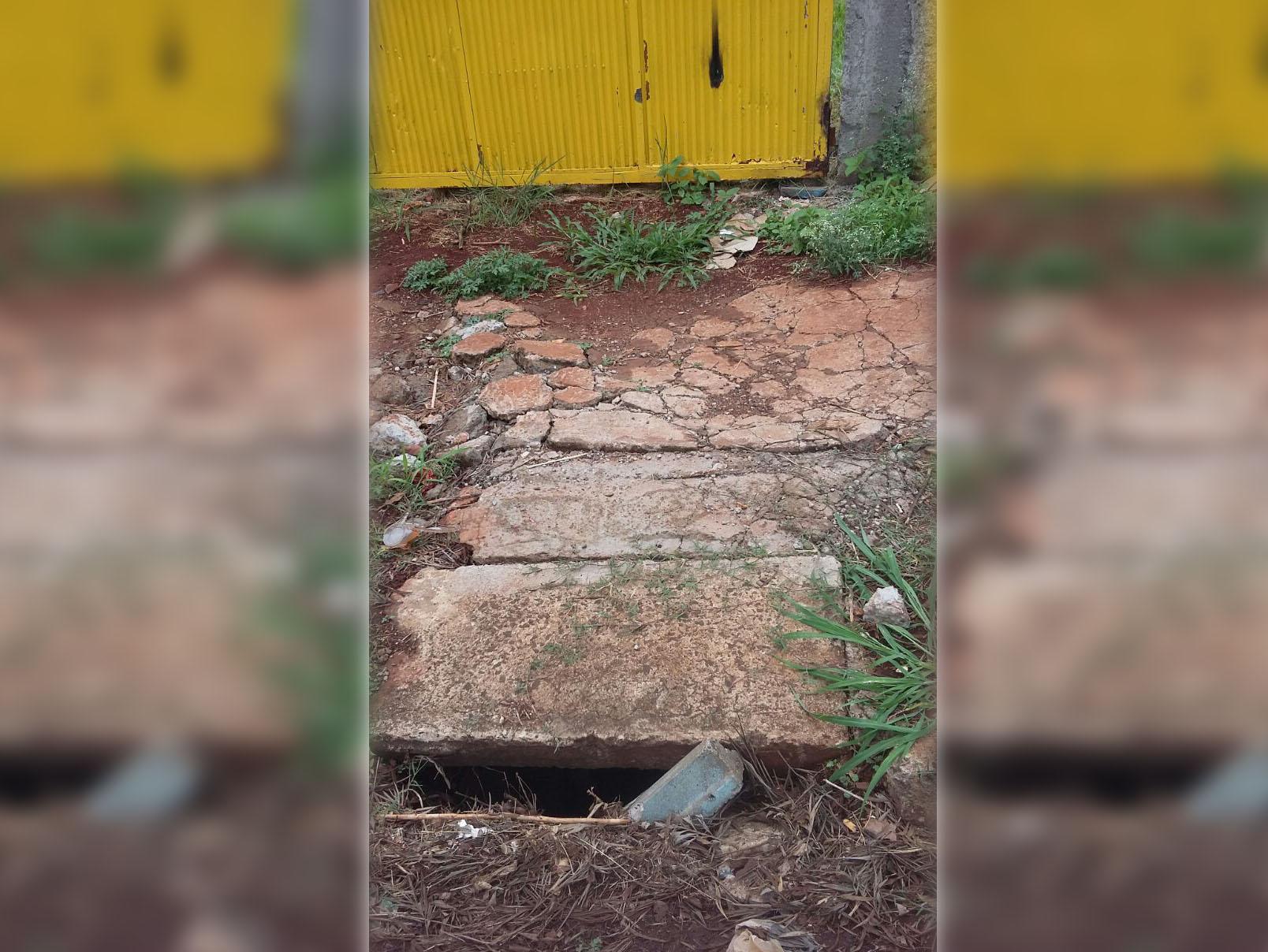 Internauta registra calçada esburacada no Clube do Maria Cecília - Foto: Sônia/Você é o Repórter
