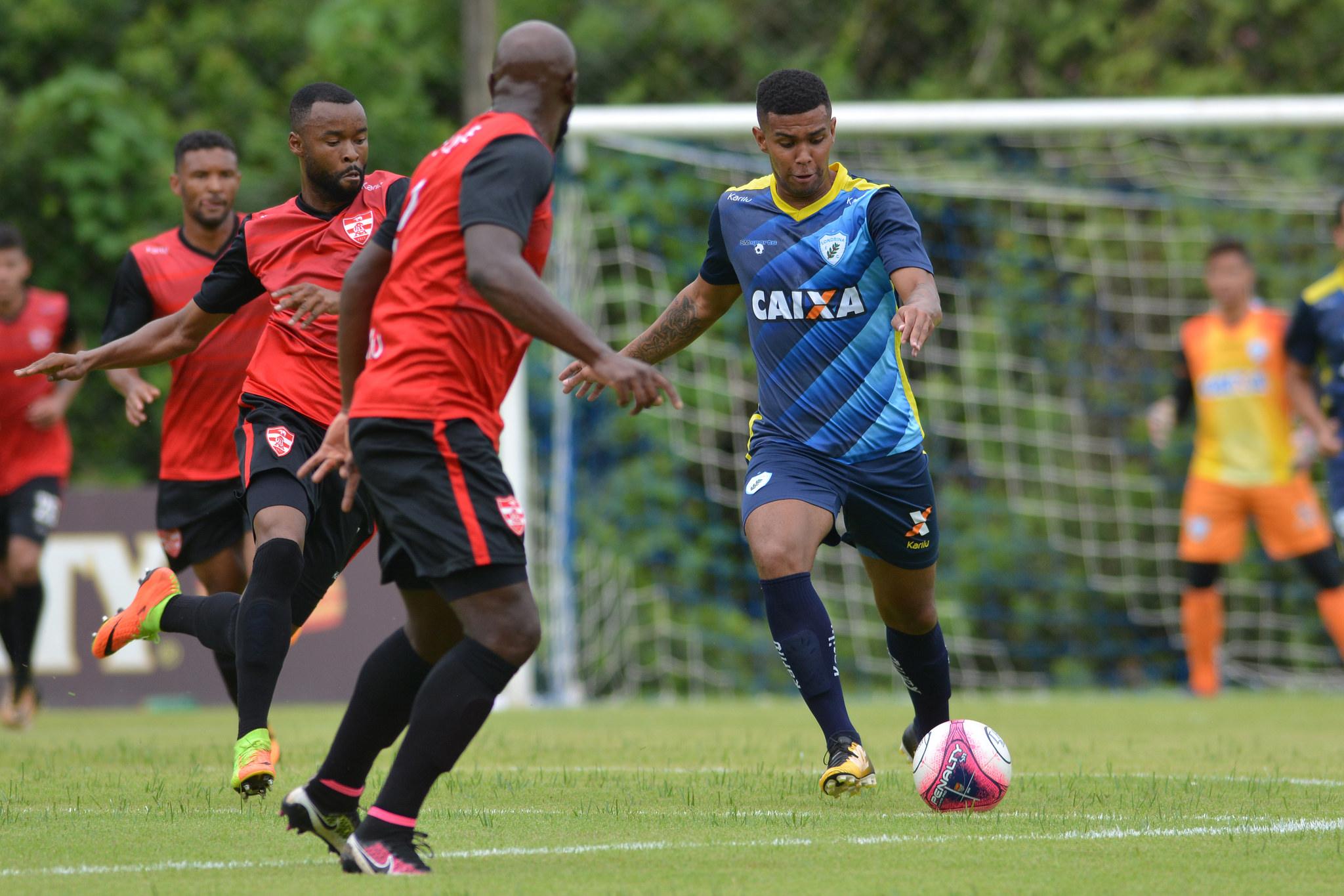 dec11bd1e3 Alex Apolinário Foto de Gustavo Oliveira-Londrina Esporte Clube ...