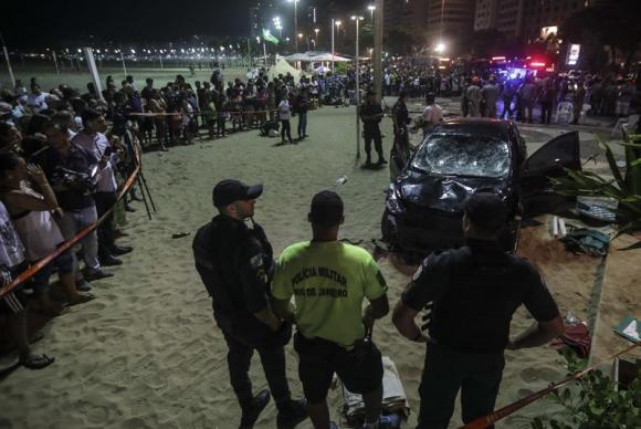 Atropelamento mata bebê em Copacabana Foto Antonio Lacerda Agência EFE