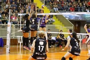 Meninas de Londrina venceram em sets diretos. Foto: Thiago Paes