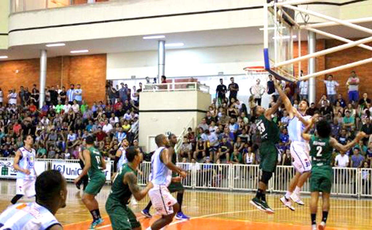 Na primeira partida entre as equipes o Londrina levou a melhor.   Foto/Divulgação.