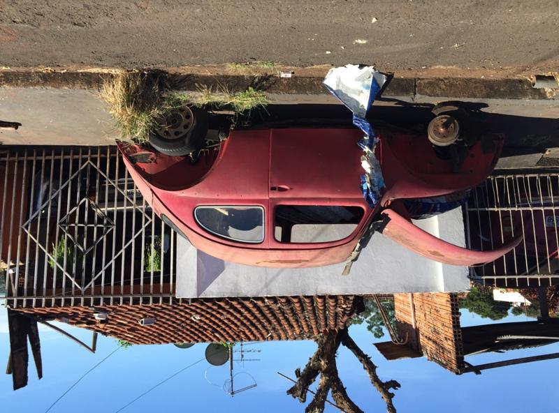 Carro abandonado em Ibiporã. Foto: Divulgação/Prefeitura de Ibiporã