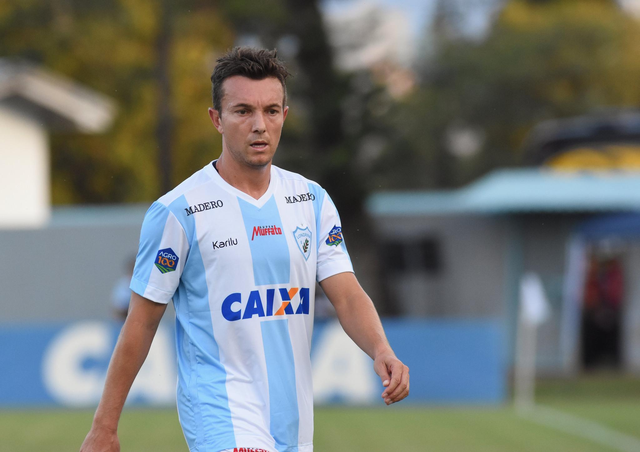 Dagoberto marcou e garantiu a vitória do Tubarão  Foto: Gustavo Oliveira/LEC