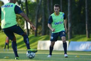 Dagoberto foi a grande contratação do Londrina Esporte Clube para a disputa da Série B. Foto: Gustavo Oliveira/Londrina Esporte Clube