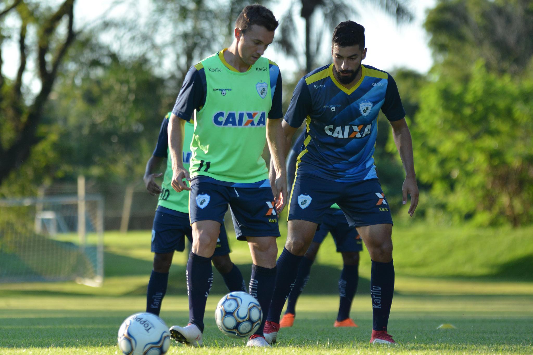 Dagoberto ficará de fora dos treinamentos e jogos até a recuperação de sua lesão Foto Gustavo Oliveira/LEC