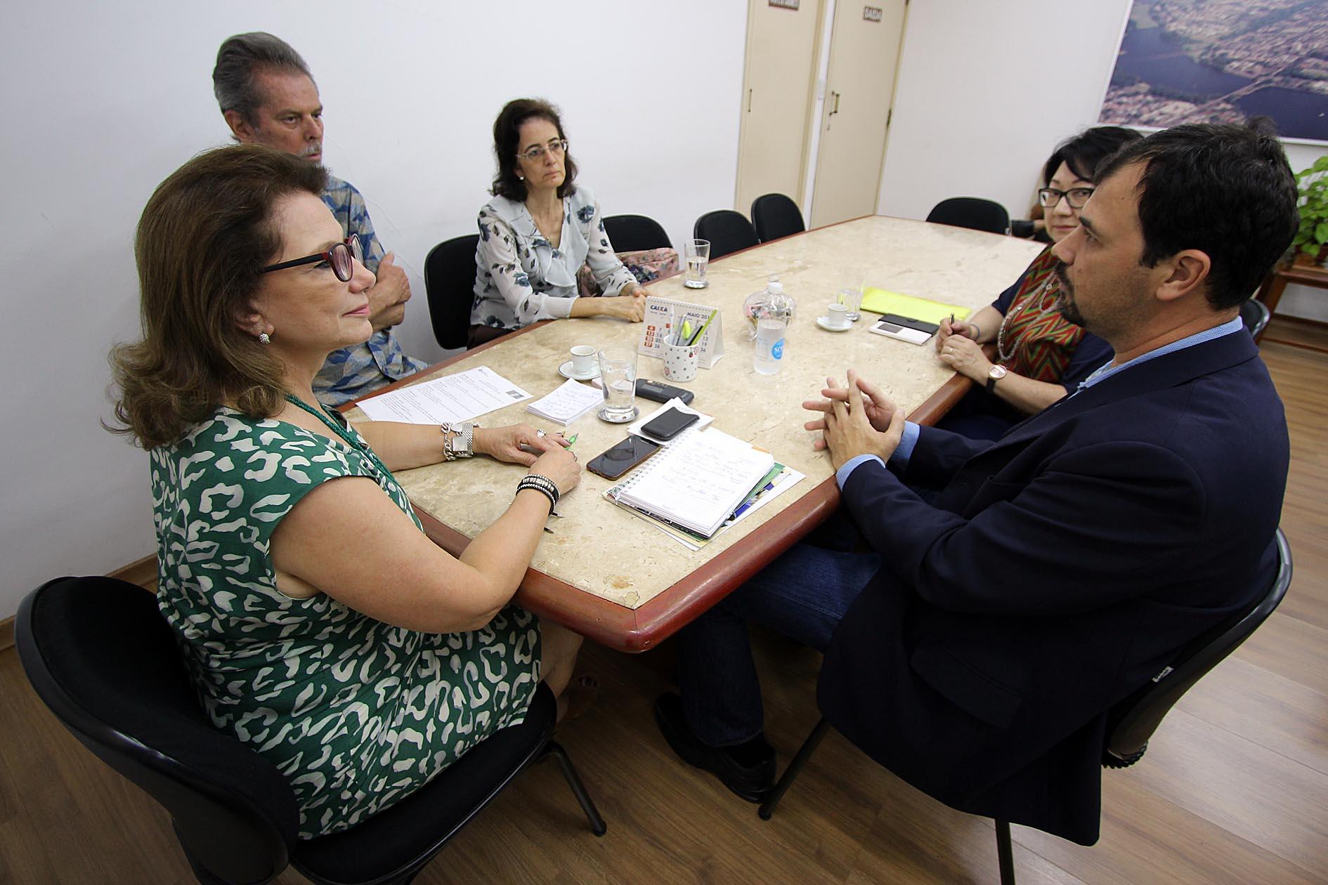 O Coordenador do FNS foi recebido pela reitora Berenice Jordão. Foto: Divulgação UEL