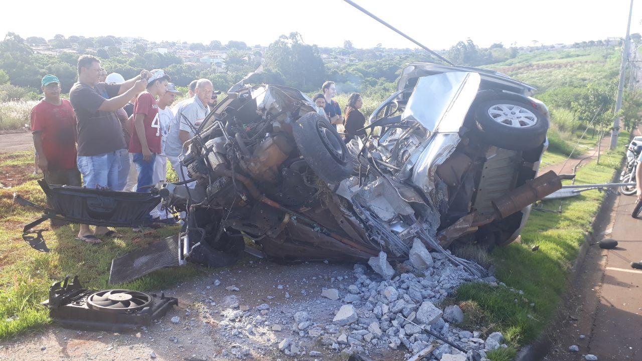 Duas pessoas morrem em acidente violento na zona norte