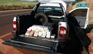 Motorista do Fiat Strada transportava a droga em um fundo falso da carroceria. Foto: PRF Divulgação