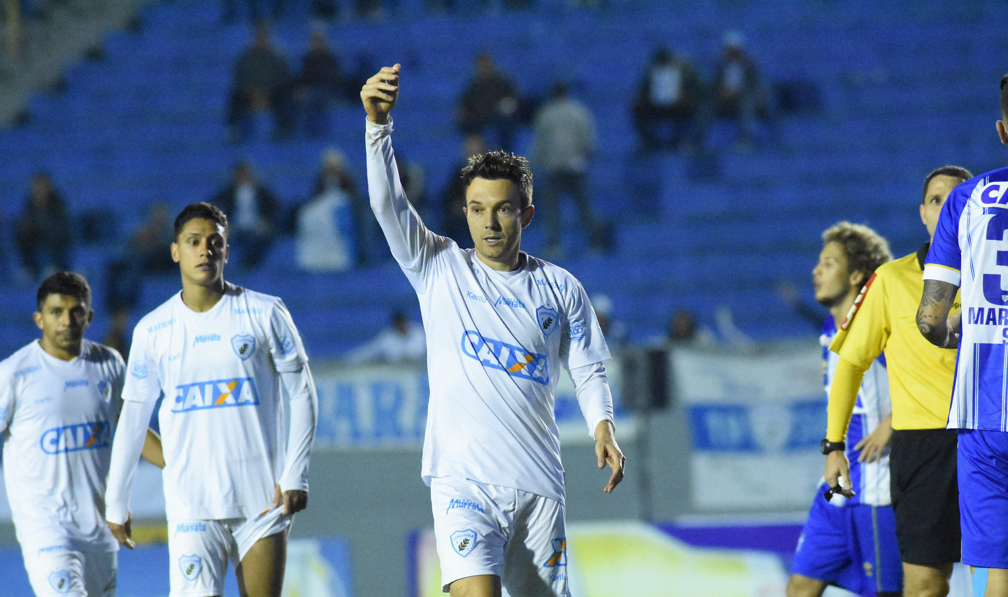 Em seu retorno, Dagoberto acumulou um gol e uma expulsão em pouco mais de 26 minutos de atuação. Foto: Gustavo Oliveira/Londrina Esporte Clube