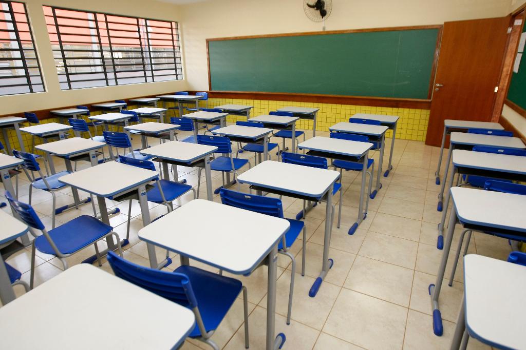 escola estadual Foto: Hedeson Alves