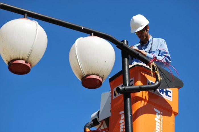 Sercomtel promete instalar lâmpadas de LED em 46 avenidas de Londrina