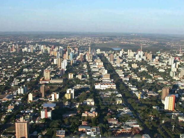 Maiores municípios do Paraná registram queda de 42% em emissão de alvarás no pico da pandemia