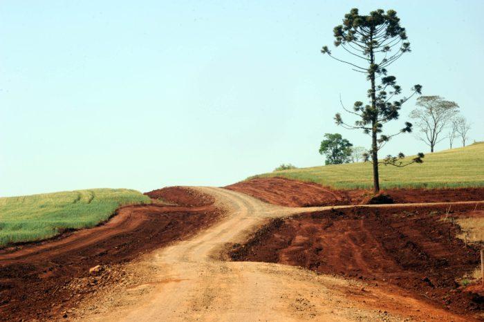 População de Paiquerê cobra recuperação das estradas rurais da região