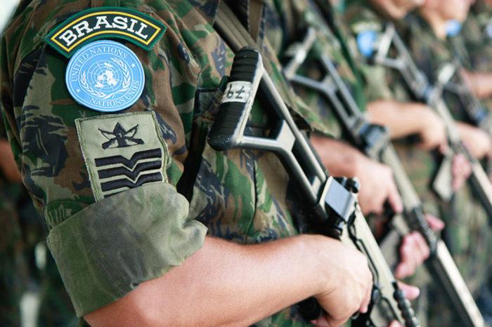 Bolsonaro autoriza envio das Forças Armadas para o Ceará