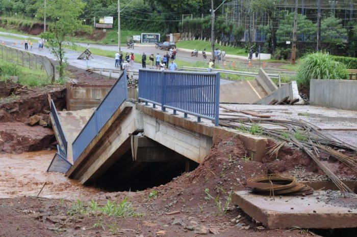 Prefeitura abre licitação para reconstruir pontes destruídas pelas chuvas
