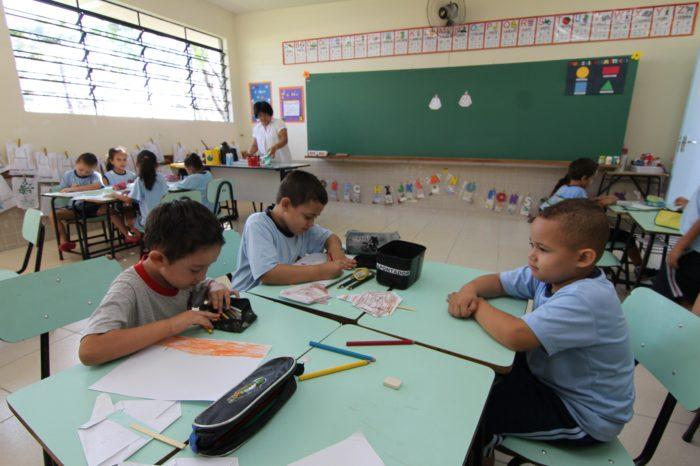 Professores concorrem a 120 vagas de coordenadores pedagógicos