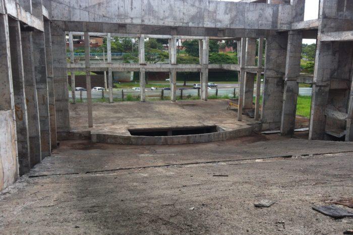 Sequência das obras do teatro municipal permanece indefinida