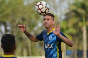 Safira deverá ser a principal novidade. Foto  Gustavo Oliveira Londrina  Esporte Clube 4ab21fc6dd93f