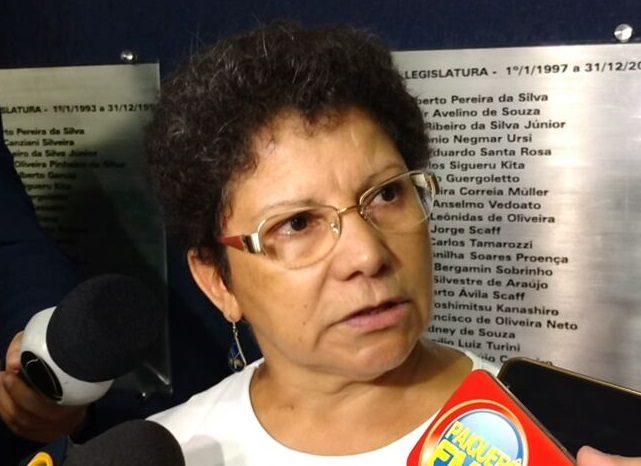 Regina Amâncio alega ameaças na chegada à sessão de julgamento