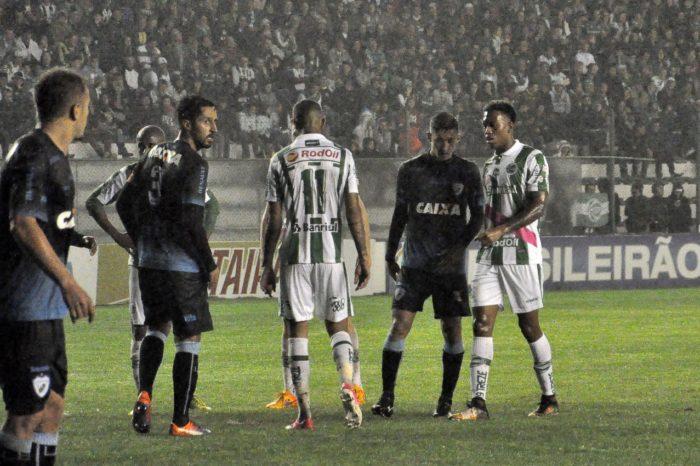 Londrina vence fora de casa e respira aliviado na Série B do Brasileirão