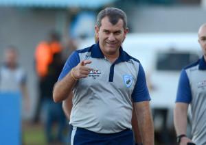 Os times de Cláudio Tencati ficaram marcados pela recuperação durante a campanha Foto: Gustavo Oliveira/Londrina Esporte Clube