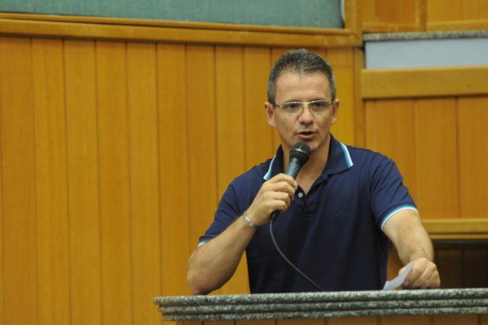 Fernando Madureira aguarda obra no Moringão para retornar à Câmara