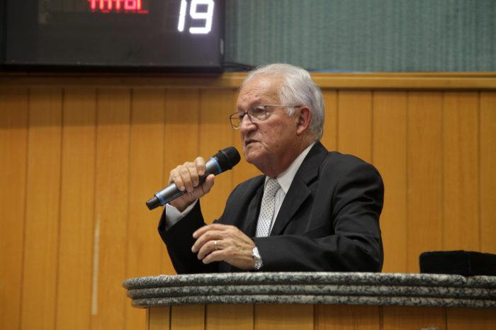Presidente da Comissão de Política Urbana avalia projeto que facilita instalação de igrejas