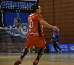 O atleta Gustavo foi um dos que renovaram contrato para a temporada 2018. Foto: Divulgação/Assessoria