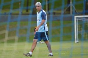 Ricardinho explicou as substituições precoces na partida contra o Coritiba. Foto: Gustavo Oliveira/Londrina Esporte Clube