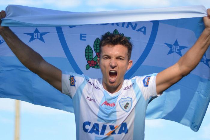 """Londrina confirma contratação de Dagoberto: """"Vim para o acesso"""""""
