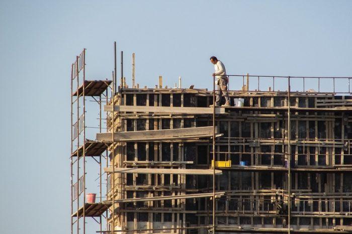 Construção civil projeta retomada de empregos no PR até o final do ano