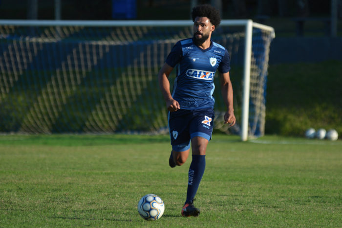 Lucas Costa se despede do Londrina e volta para time catarinense