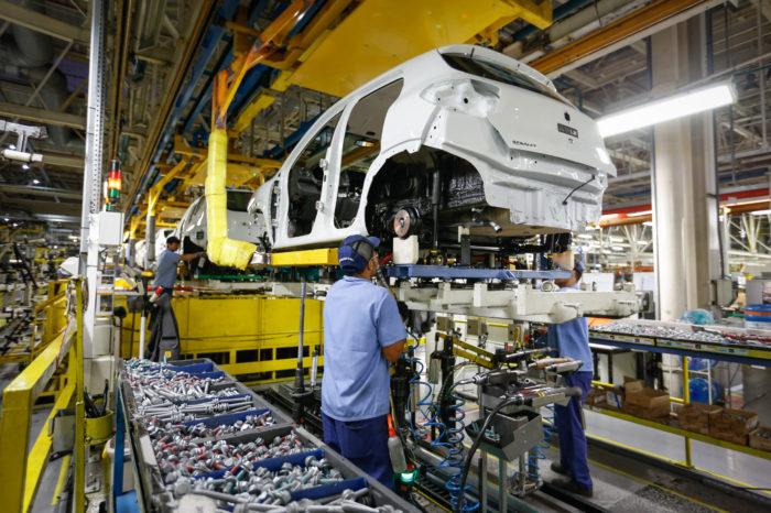 Produção industrial recua em nove estados e Paraná tem queda de 2,5%