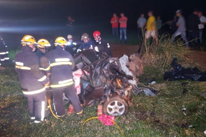Acidente com cinco mortos pode ter sido provocado por racha de caminhões