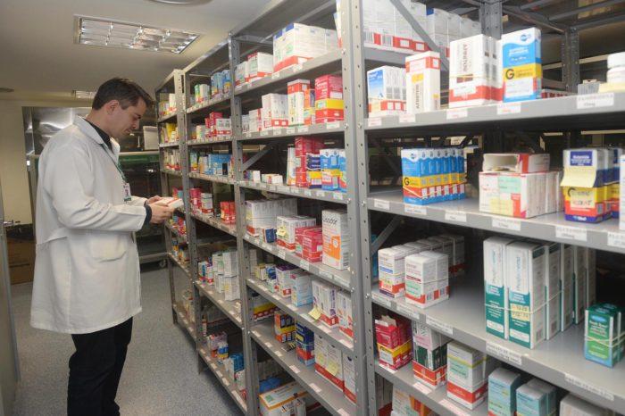 Incêndio em fábrica provoca falta de remédio na farmácia da 17ª Regional de Saúde