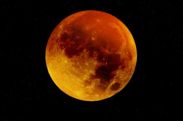 Eclipse da lua deve reunir dezenas de observadores nesta sexta (27) em Londrina