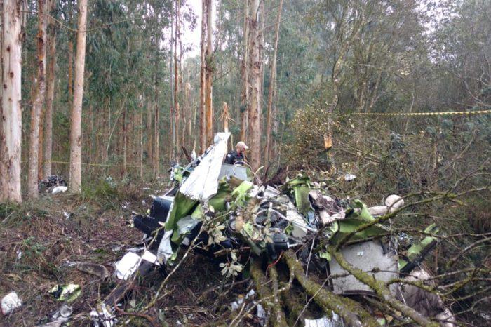 Testemunhas dizem que avião com deputado foi se fragmentando no ar