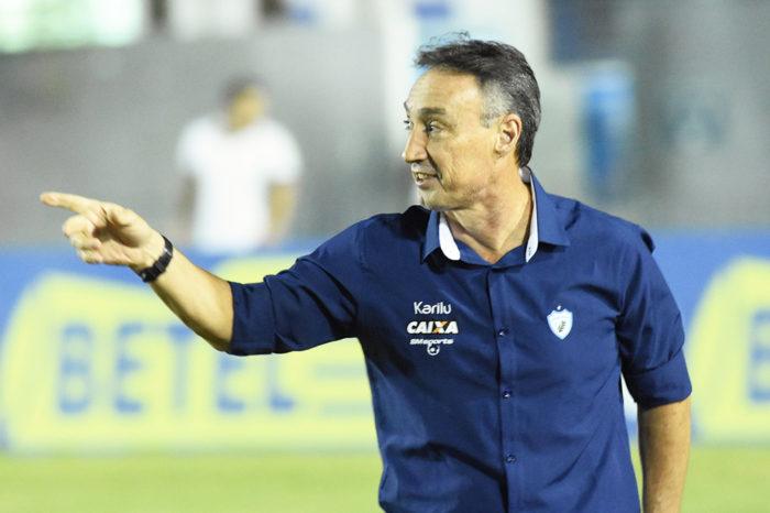 Roberto Fonseca pede demissão e Alemão volta ao comando técnico do LEC