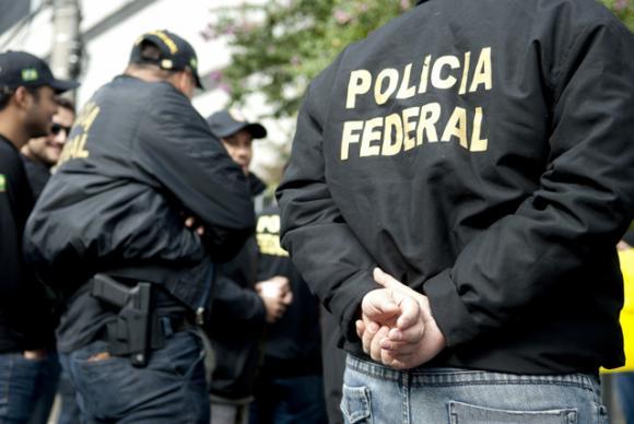PF cumpre mandado em Londrina em operação contra organização criminosa
